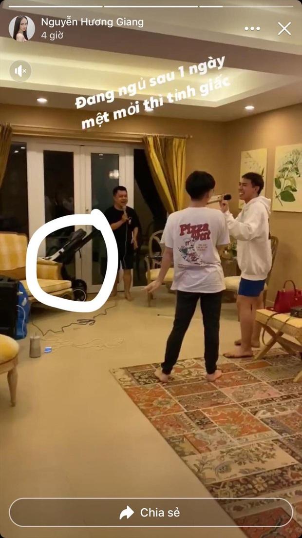 Hương Giang up story lộ xe đẩy cho em bé, dân tình gọi tên Hoà Minzy: Chuyện gì đây? - Ảnh 2.