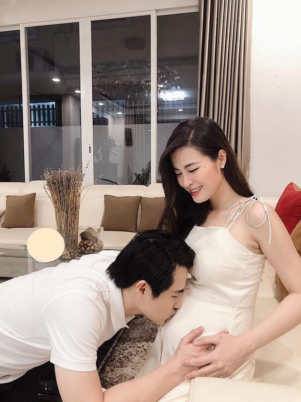 Đông Nhi tự tin diện bikini, cuối cùng đã khoe rõ ràng bụng bầu lớn bên Ông Cao Thắng ở tháng thứ 5 thai kỳ - Ảnh 4.