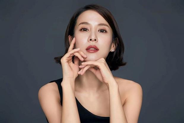 Hết bị lừa trong Parasite, nữ hoàng cảnh nóng Jo Yeo Jeong quyết định trả thù hội đàn ông ngoại tình trong phim mới - Ảnh 1.