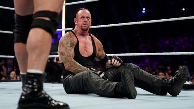Huyền thoại Undertaker tuyên bố giải nghệ, khép lại 30 năm huy hoàng tại WWE - Ảnh 3.