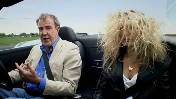14 bức ảnh cho thấy nỗi khổ trời không thấu chỉ chị em phụ nữ tóc dài mới hiểu, đẹp lắm thì đau nhiều quả không sai mà! - Ảnh 7.
