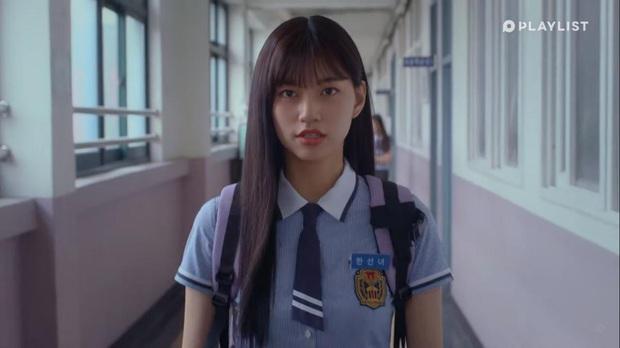 Ngôi sao Produce 101 hóa nam thần truyện tranh, vừa xuất hiện đã đòi hôn ngấu nghiến nữ chính - Ảnh 3.