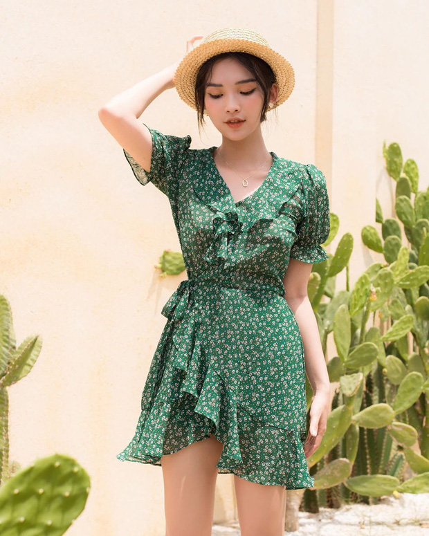 Váy hoa nhí năm nay toàn kiểu xinh quá mức quy định, xem xong 10 mẫu này là nàng nào cũng muốn quẩy ngay 1 em - Ảnh 17.