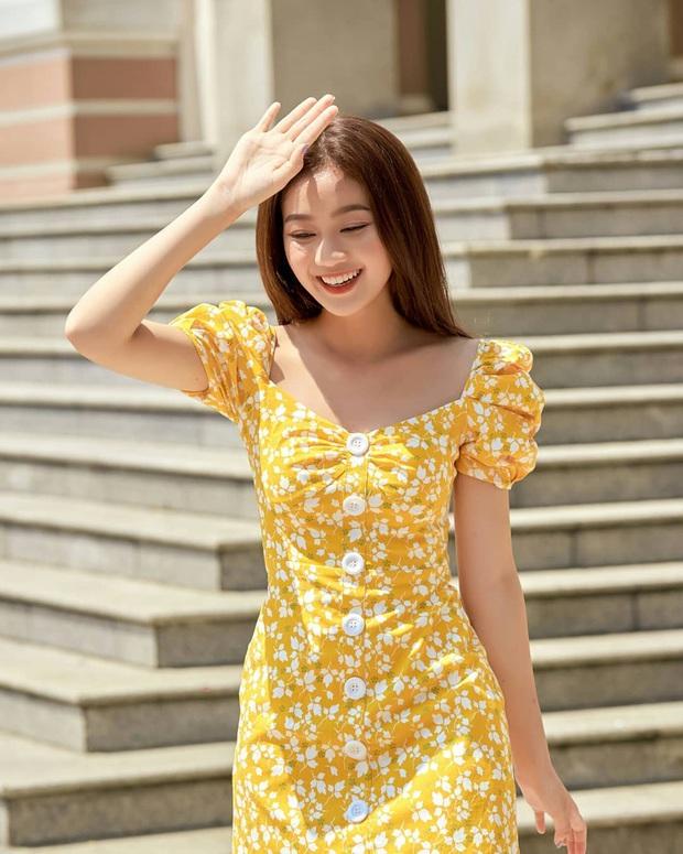 Váy hoa nhí năm nay toàn kiểu xinh quá mức quy định, xem xong 10 mẫu này là nàng nào cũng muốn quẩy ngay 1 em - Ảnh 15.
