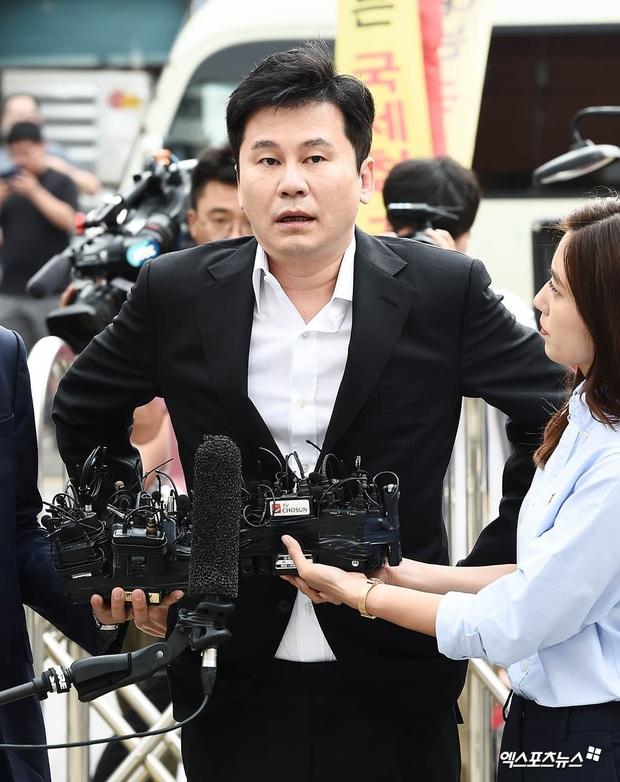 Tình cũ tù tội của T.O.P Han Seo Hee chính thức lộ diện tại Văn phòng công tố, tiết lộ thông tin động trời bị Yang Hyun Suk đe dọa - Ảnh 6.