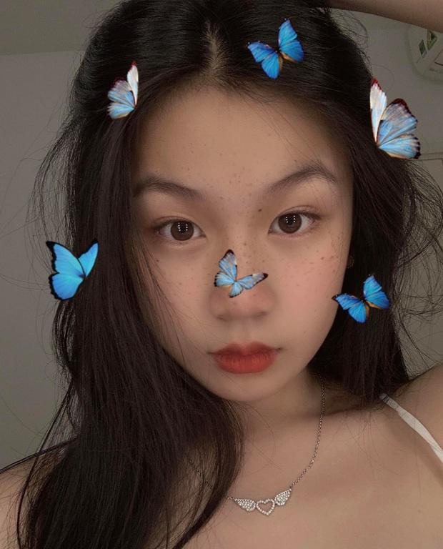 Con gái Lưu Thiên Hương khoe dáng chuẩn ở biển, mới 15 tuổi đã sớm bộc lộ khí chất mỹ nhân - Ảnh 6.