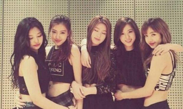 """Số phận thành viên """"hụt"""" của BLACKPINK: Mỹ nhân xinh không kém Jisoo debut rồi vẫn mờ nhạt, bạn thân Lisa ra mắt trong girlgroup thị phi - Ảnh 4."""