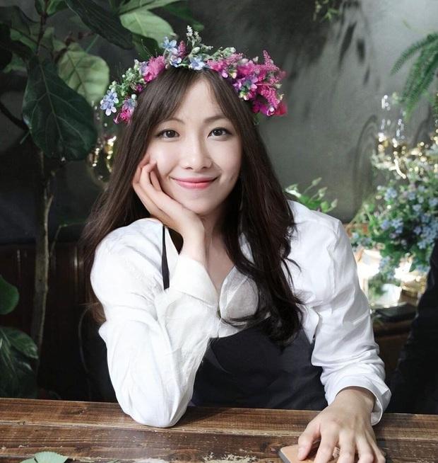 Nhìn BTS biến hóa giới tính, chắc dàn nữ thần khiếp vía: Jungkook và V đúng là đẹp nhất thế giới, nhưng sốc nhất là Jin và RM - Ảnh 5.