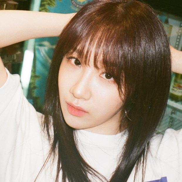 """Số phận thành viên """"hụt"""" của BLACKPINK: Mỹ nhân xinh không kém Jisoo debut rồi vẫn mờ nhạt, bạn thân Lisa ra mắt trong girlgroup thị phi - Ảnh 11."""