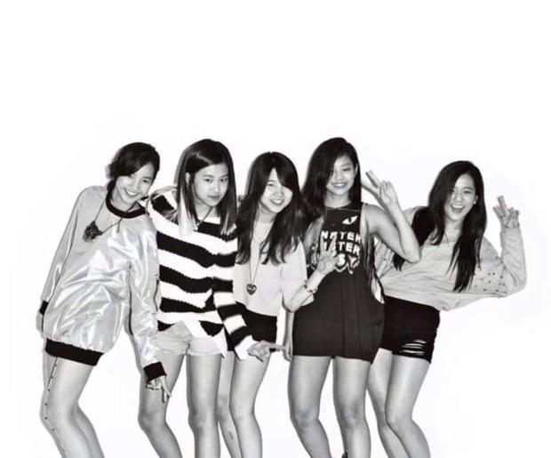 """Số phận thành viên """"hụt"""" của BLACKPINK: Mỹ nhân xinh không kém Jisoo debut rồi vẫn mờ nhạt, bạn thân Lisa ra mắt trong girlgroup thị phi - Ảnh 18."""