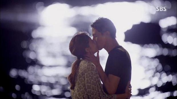 5 cặp màn ảnh tình như hẹn hò thật: Hyun Bin - Son Ye Jin, Park Shin Hye lộ bằng chứng, couple Thư ký Kim gây sốc vì quá gắt - Ảnh 22.