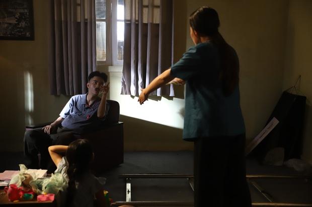 Rhymastic ra mắt MV Giàu Sang đả kích lối sống vật chất, chia sẻ về những mất mát khi gia nhập team SpaceSpeakers - Ảnh 4.