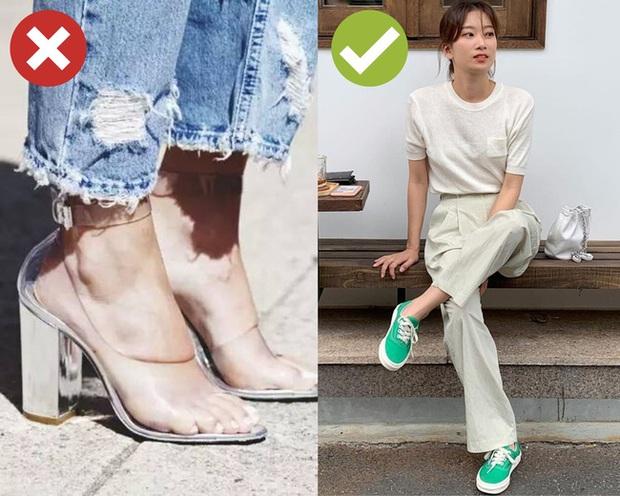 Nắng nóng cực độ, chị em mà đi 3 kiểu giày dép này thì xác định cháy chân thảm hại - Ảnh 6.