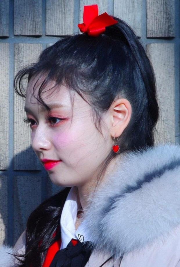 Netizen shock nặng khi phát hiện ra sự thật phía sau những bức ảnh hoàn mỹ từ body cho đến nhan sắc của idol Hàn - Ảnh 9.