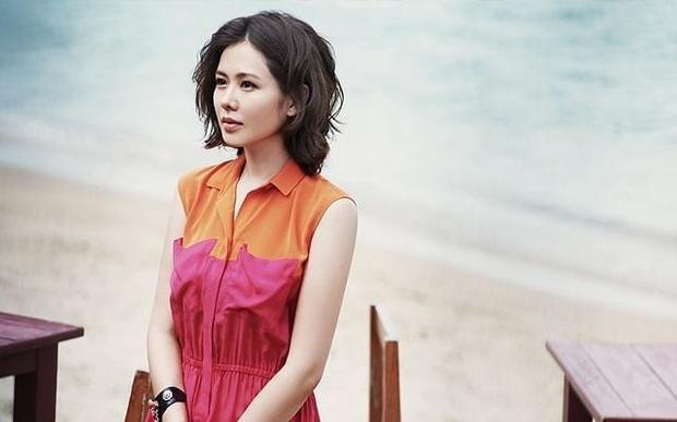 Đào lại loạt ảnh cũ của Son Ye Jin: Từ thời makeup giản đơn, tóc tai sến súa nhan sắc đã đẹp đỉnh cao - Ảnh 5.