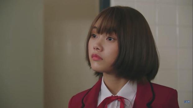 Hết chìm phao lại bị tống cố xuống lớp cá biệt, gái xinh BNK48 vẫn vui như mở hội ở phim mới, lạ ha! - Ảnh 6.