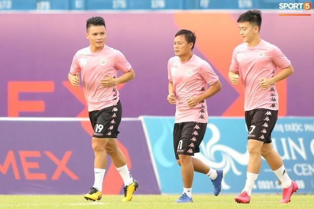 Đội hình Hà Nội FC thủng lỗ chỗ vì 5 thương binh và ngôi sao Quang Hải bị xáo trộn tinh thần - Ảnh 1.