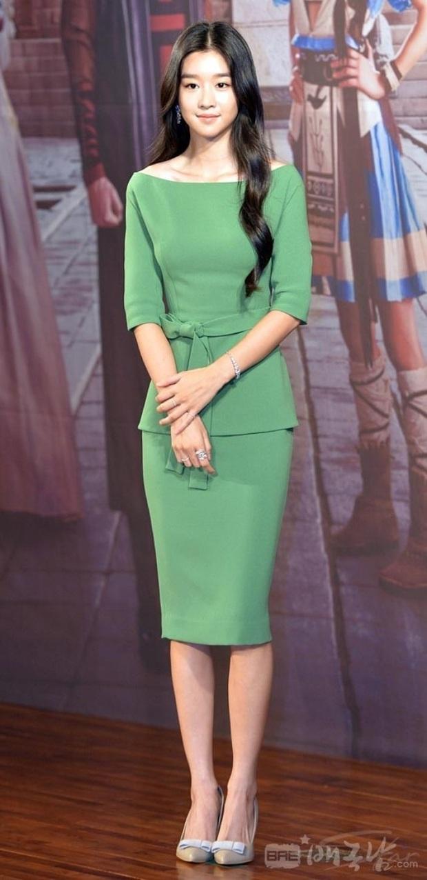 Dân tình đang cuồng body nữ chính hot hơn cả Kim Soo Hyun trong Điên thì có sao: Vòng 1 nóng hừng hực, chân so được cả với Lisa - Ảnh 17.
