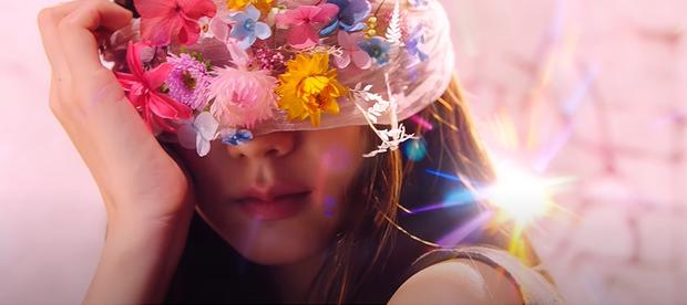 Ẩn ý trong teaser MV mới của BLACKPINK: Là phần 2 của Kill This Love, Jisoo hoá thân thành Nữ thần Công lý Themis, bức tượng có cánh bí ẩn là ai? - Ảnh 3.