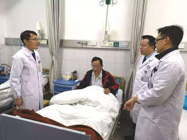 Một người phải cắt bỏ 70cm ruột non bị hoại tử và 3 lưu ý khi ăn dưa hấu để qua đêm nếu không muốn gặp trường hợp tương tự - Ảnh 1.