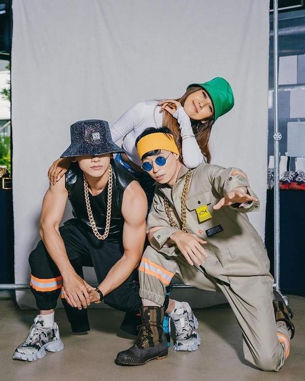 Tạm quên cơn bão BLACKPINK, bộ ba Bi Rain, Lee Hyori và Jaesuk vừa tung bộ ảnh debut căng đét, nhóm nhạc khủng long Kpop là đây chứ đâu! - Ảnh 5.