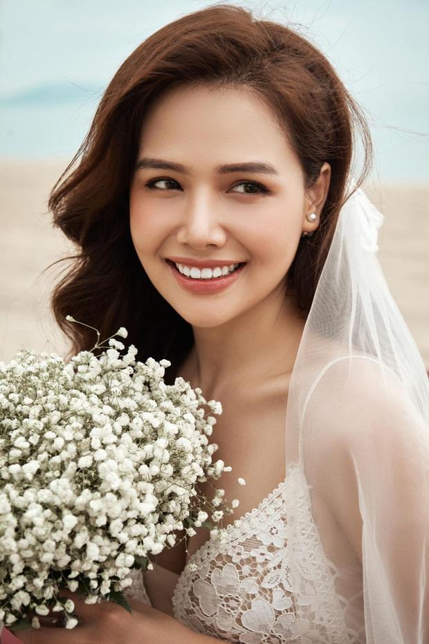 Phanh Lee chính thức khoe loạt ảnh cưới với chồng đại gia, lên rừng xuống biển tạo dáng nhưng vẫn quyết tâm giấu mặt người ấy - Ảnh 1.