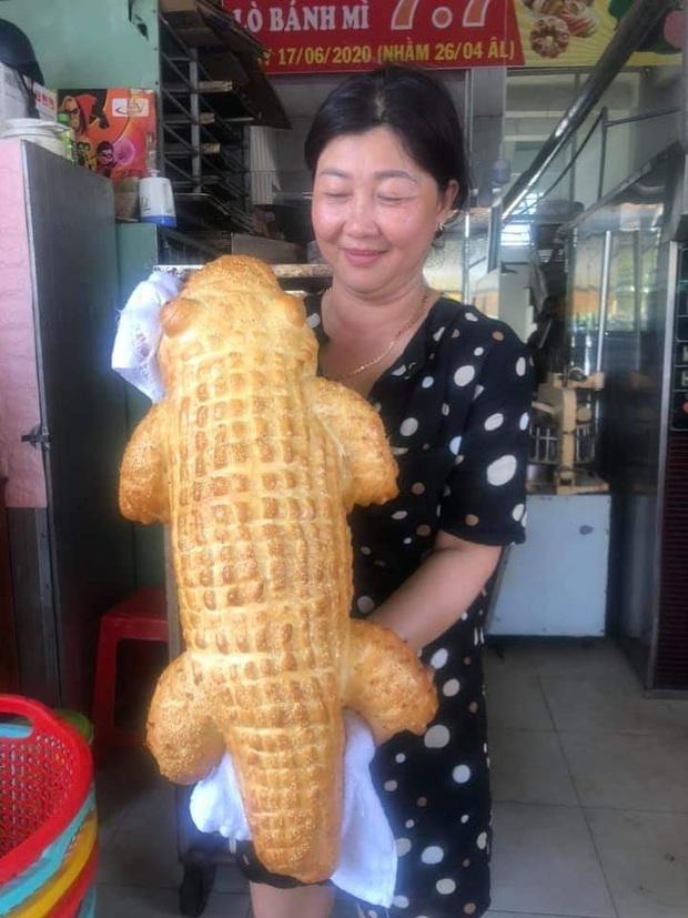 Xuất hiện bánh mì cá sấu đang được dân mạng share ầm ầm: Đúng là Việt Nam cái gì cũng nghĩ ra được! - Ảnh 4.