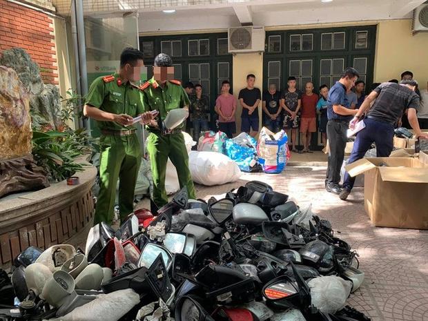 Triệt xoá đường dây trộm cắp gương, phụ tùng ô tô lớn nhất Hà Nội - Ảnh 1.