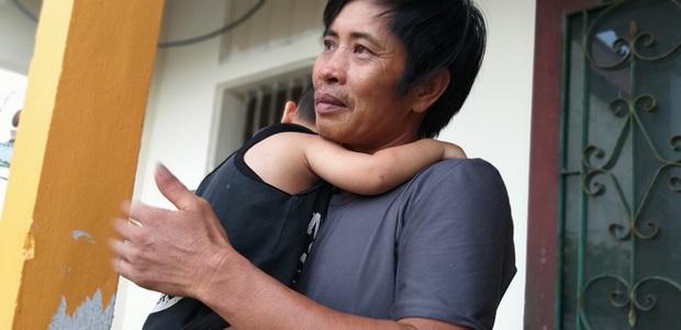Bé trai 18 tháng tuổi thoát chết kỳ diệu sau vụ tai nạn nghiêm trọng khiến cả gia đình nhập viện ở Ninh Bình - Ảnh 2.