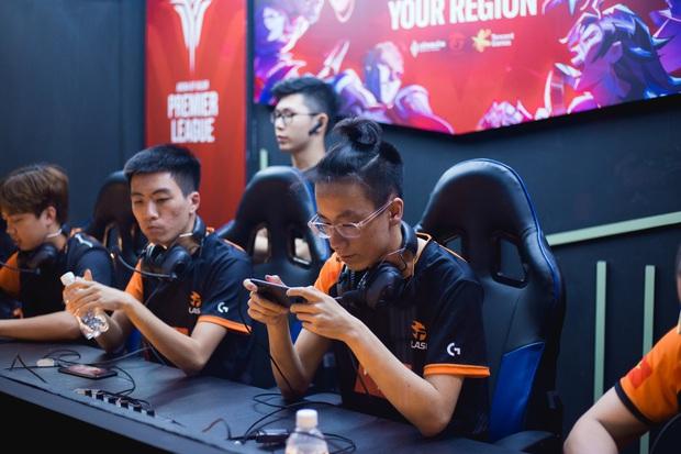 Vòng bảng APL 2020: Team Flash đánh như chơi vẫn giành chiến thắng, FAPTV lún sâu vào chuỗi thua tối tăm mặt mày - Ảnh 2.