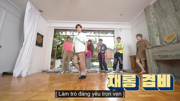 Jungkook (BTS) chứng minh lụa đẹp vì người khi xử lý ngon ơ bộ đồ... diêm dúa do anh cả Jin thiết kế - Ảnh 15.