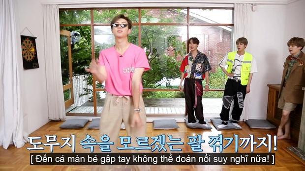 Jungkook (BTS) chứng minh lụa đẹp vì người khi xử lý ngon ơ bộ đồ... diêm dúa do anh cả Jin thiết kế - Ảnh 16.
