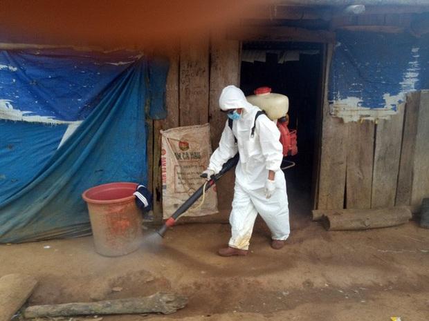 Bộ Y tế khuyến cáo: Bệnh bạch hầu chưa được loại trừ ở Việt Nam, người dân vẫn có thể mắc bệnh nếu chưa tiêm vắc xin và tiếp xúc với mầm bệnh - Ảnh 2.