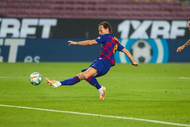 Barca thoát hiểm đầy kịch tính trong ngày sinh nhật Messi - Ảnh 3.
