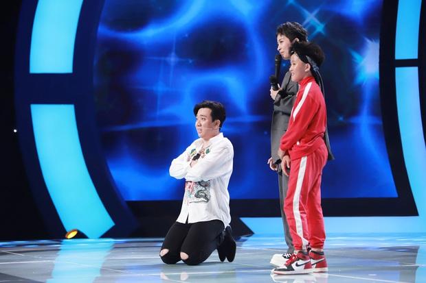 Hari Won ném bóng rổ ngon ơ dù đi giày cao gót, thách Trấn Thành: Làm không được thì đừng làm trai nữa! - Ảnh 7.