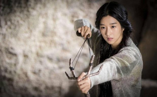"""Seo Ye Ji - """"nàng thơ"""" mới của Kim Soo Hyun: Đoá hoa nở muộn đã đến ngày toả hương ở Điên Thì Có Sao - Ảnh 5."""