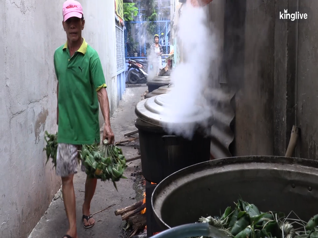 Ghé làng bánh ú tro, nghe chuyện làm bánh ngày Tết Đoan ngọ ở Sài Gòn - Ảnh 3.