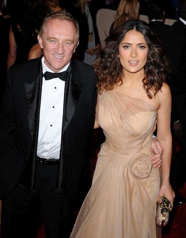 Vợ minh tinh của ông trùm thời trang thế giới: Nổi tiếng nhờ cảnh khỏa thân, cuộc gặp với tỷ phú tới hôn lễ được Tổng thống chúc phúc - Ảnh 12.