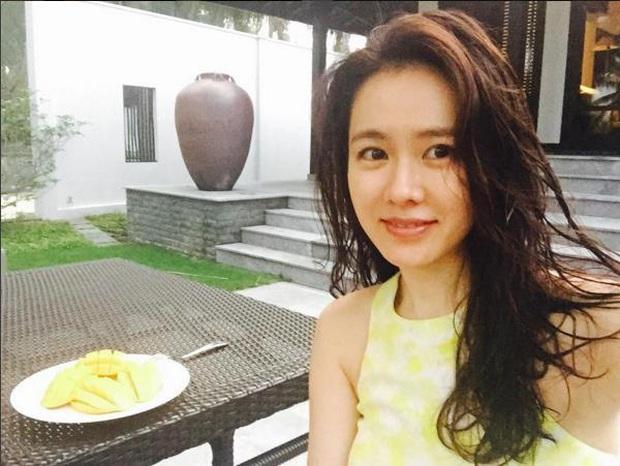 Phát sốt loạt ảnh Son Ye Jin diện bikini xẻ ngực sâu hoắm, khoe vòng 1 khủng ná thở khi du lịch Hội An 4 năm trước - Ảnh 3.