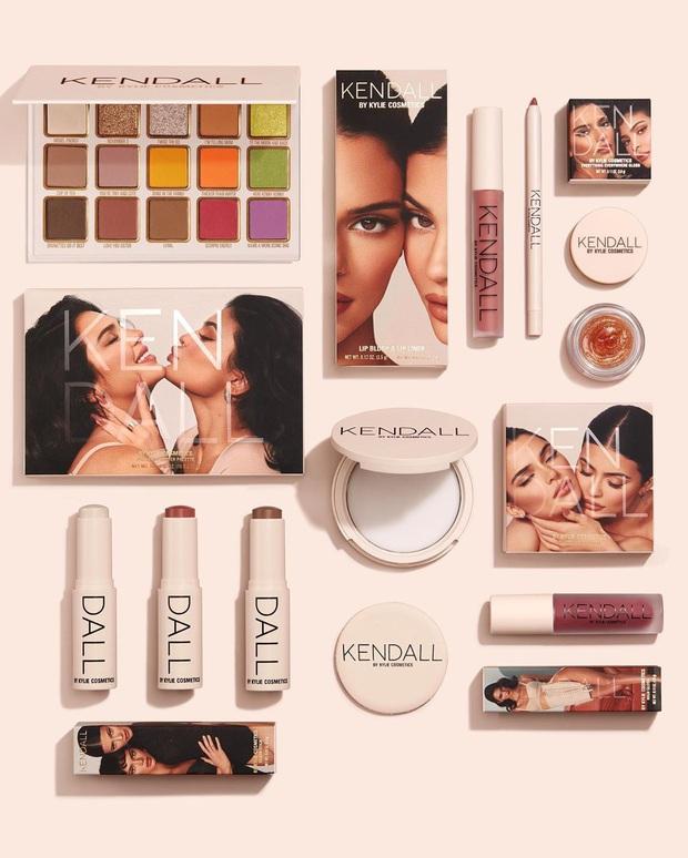 Bảng mắt Kendall x Kylie bị chê giả dối, Kylie cao tay đáp trả anti-fan bằng chính... mặt của Kendall - Ảnh 3.