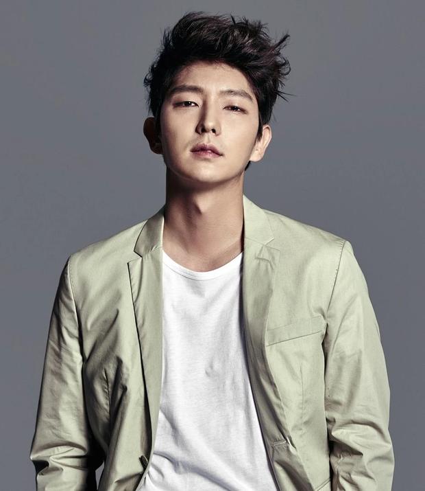 Tranh cãi BXH 25 diễn viên đẹp trai nhất xứ Hàn: Hyun Bin bị tài tử này giành No.1, Lee Min Ho - Song Joong Ki khiêm tốn khó hiểu - Ảnh 2.