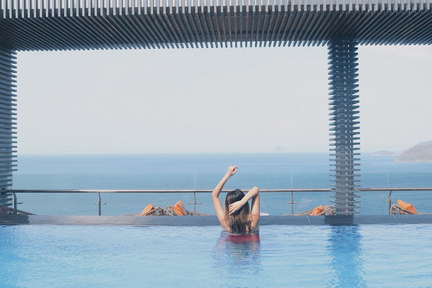 4 khách sạn 5 sao đáng ở nhất khi tới Nha Trang: Hồ bơi vô cực view tầng cao sang chảnh, giá còn giảm tới 50%! - Ảnh 1.