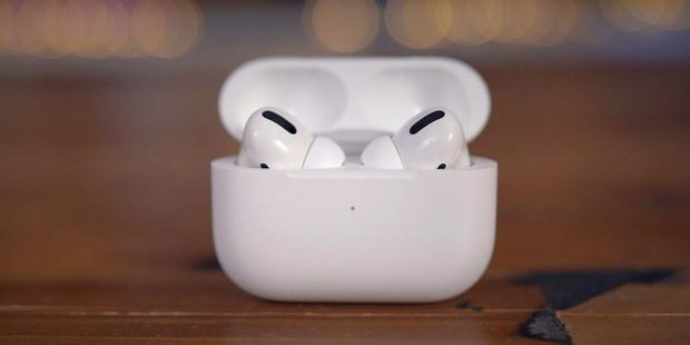 Ai dùng AirPods nhất định phải nhanh update iOS 14: Bảo vệ pin tai nghe tốt hơn, giảm bớt nguy cơ chai pin - Ảnh 1.