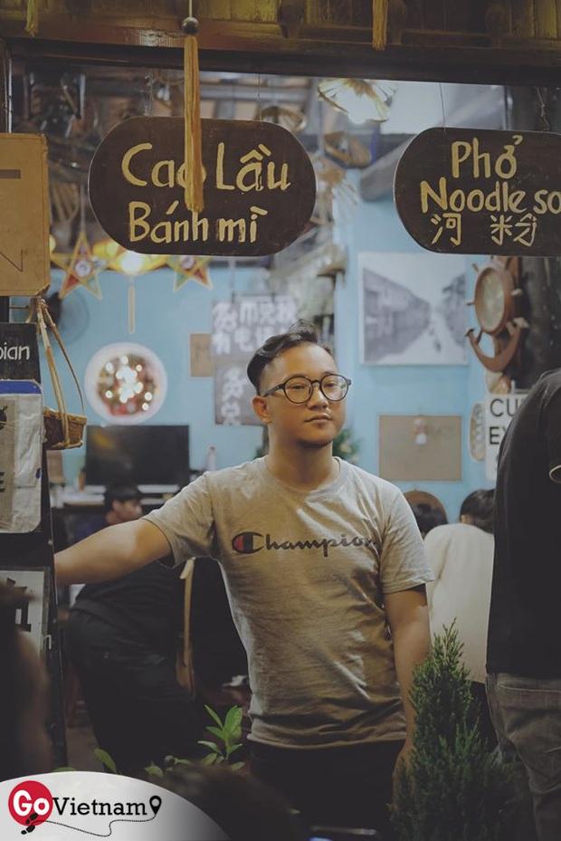 """Quán nước """"must try"""" ở Hội An: Thức uống """"thần thánh"""" từ bí kíp gia truyền 100 năm, lá sen nhập tận miền nam và Thái Lan nhưng giá chỉ 12.000 đồng - Ảnh 1."""