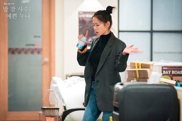 4 cách buộc tóc nhẵn mặt trong phim Hàn, chị em ghim ngay thì chẳng lo tóc tai bị nhạt và xấu - Ảnh 4.