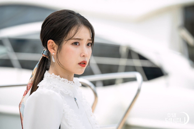 4 cách buộc tóc nhẵn mặt trong phim Hàn, chị em ghim ngay thì chẳng lo tóc tai bị nhạt và xấu - Ảnh 5.