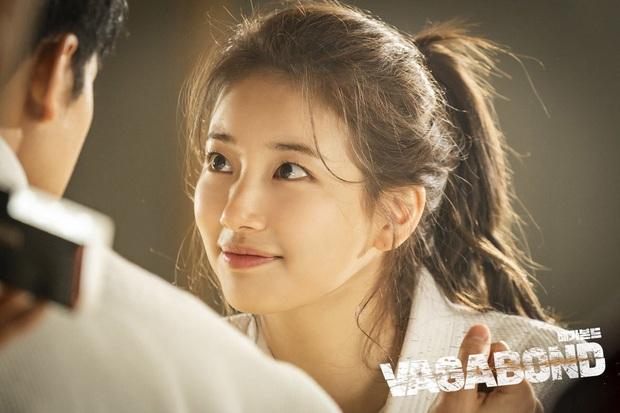 4 cách buộc tóc nhẵn mặt trong phim Hàn, chị em ghim ngay thì chẳng lo tóc tai bị nhạt và xấu - Ảnh 6.