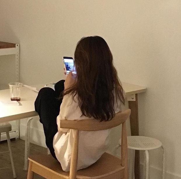 Nhiều cô gái bị ăn cắp hình ảnh, thông tin trên Tinder để đăng tải lên web đen - Ảnh 4.