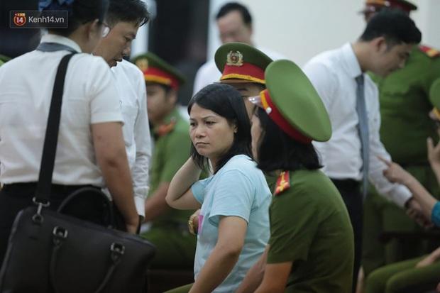 Vụ giết người, đổ bê tông: Các bị cáo nói lời xin lỗi, mẹ của nữ chủ mưu bật khóc mong giảm hình phạt cho con gái mình - Ảnh 13.
