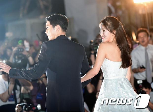 8 lần Song Hye Kyo gây nổ thảm đỏ, sự kiện: 2 dịp làm đám cưới sớm với Song Joong Ki, sau ly hôn lại lột xác ngỡ ngàng - Ảnh 9.